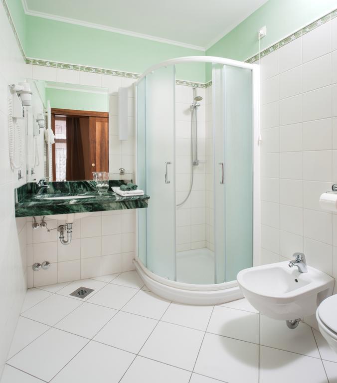 MD_Bathroom_1